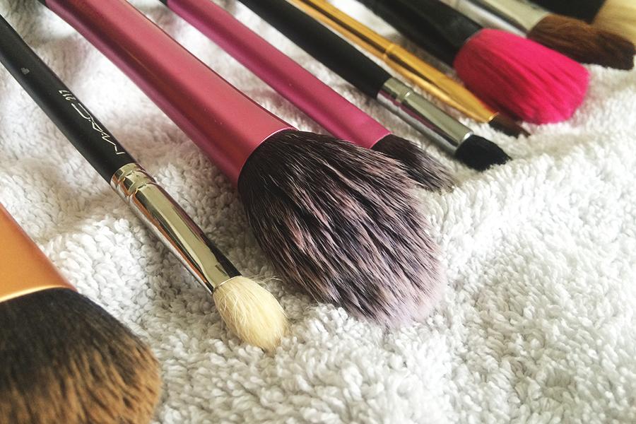 Husker du at vaske dine makeupbørster?